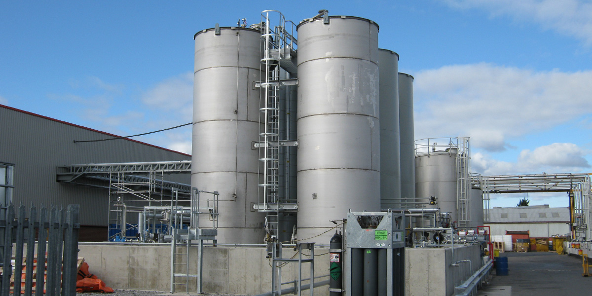 Solvent and resin tank farm