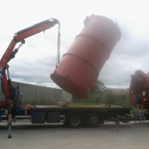 Storage tank delivery and offload