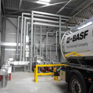 Interchangeable product tanker delivery station