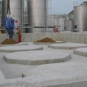 Storage tank installation bund preparation