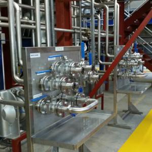 Flow plate installation
