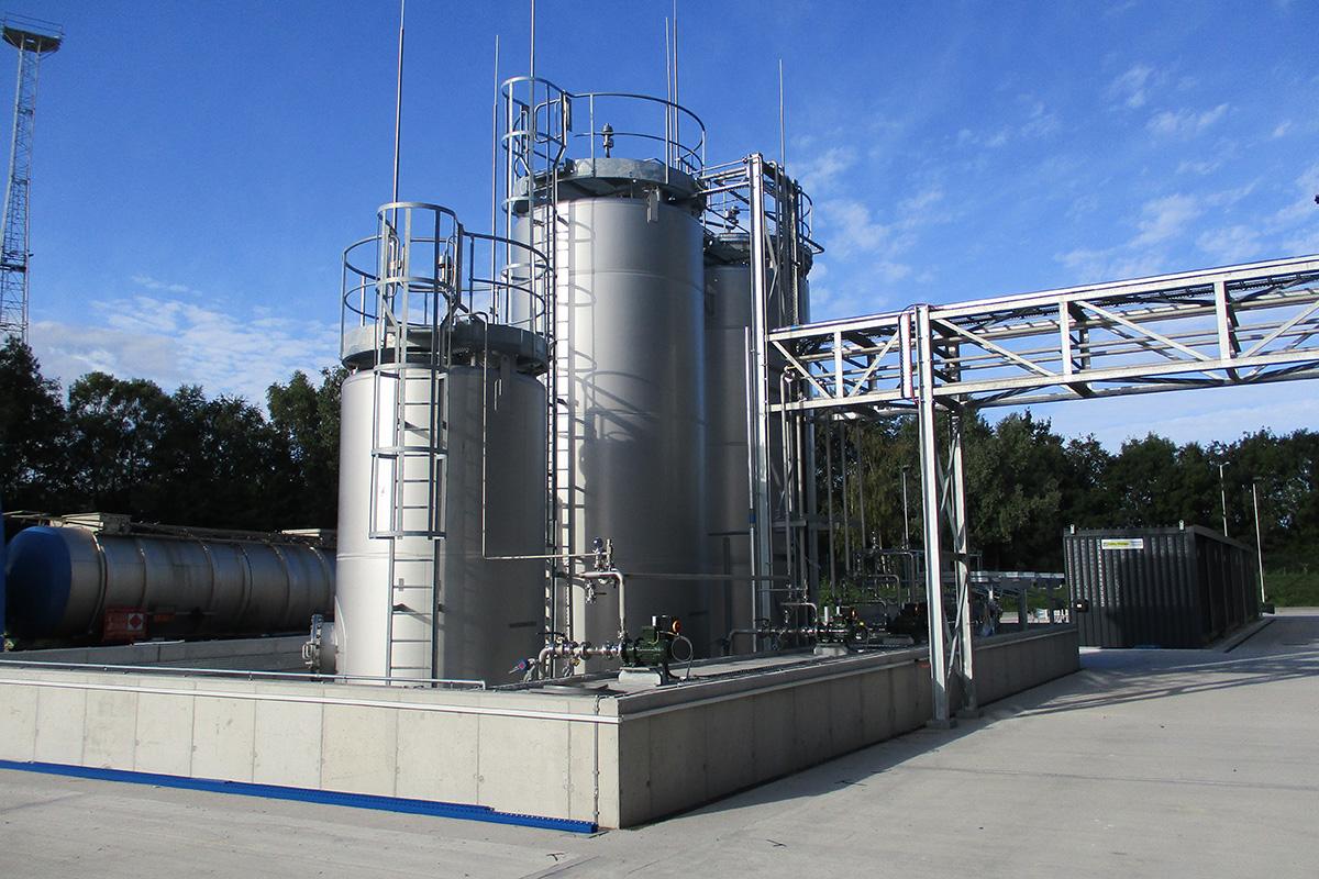 Tank Farm with pipe bridge to manufacturing