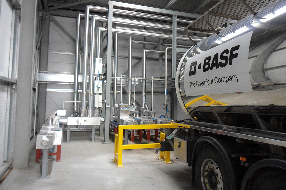 Tank Farm road tanker delivery system