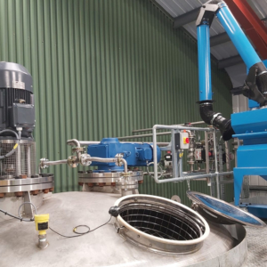 Blending vessel connections and mobile dust collector